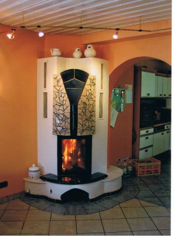 Kleiner Eck-Warmluftofen mit Feuersicht (HKD 1), 1994